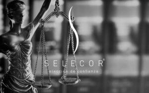 Comonline, especialistas ecommerce - Selecor, te ayudamos a seleccionar al abogado o asesor que necesitas, home blanco y negro
